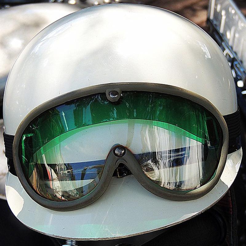 ヘルメットイメージ