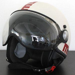 ヘルメット モモデザイン